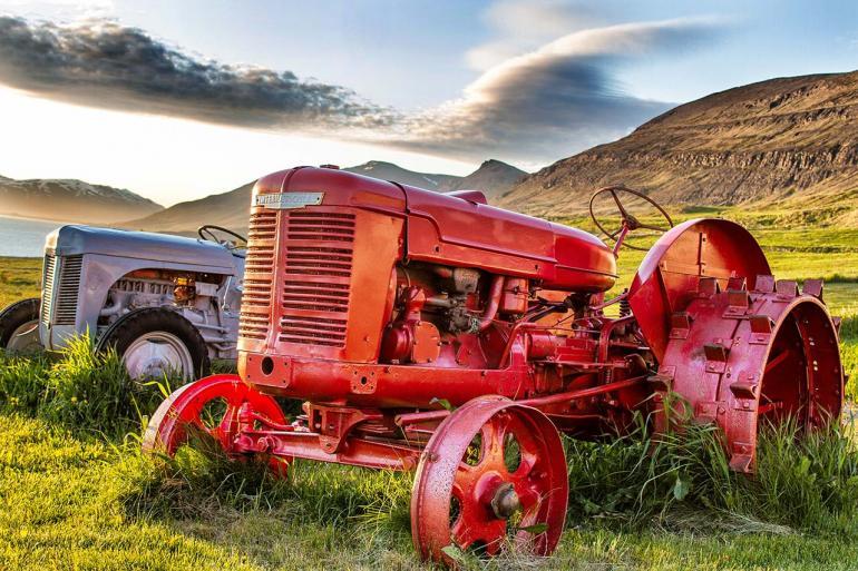 Da im Sommer die Sonne auf Island erst sehr spät und langsam untergeht, herrscht stundenlang ein warmes, weiches Licht.