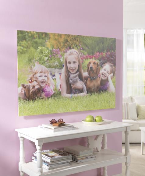 Leinwanddrucke können über die Pixum-Homepage oder über diekostenlosePixum-Fotowelt-Software bestellt werden.