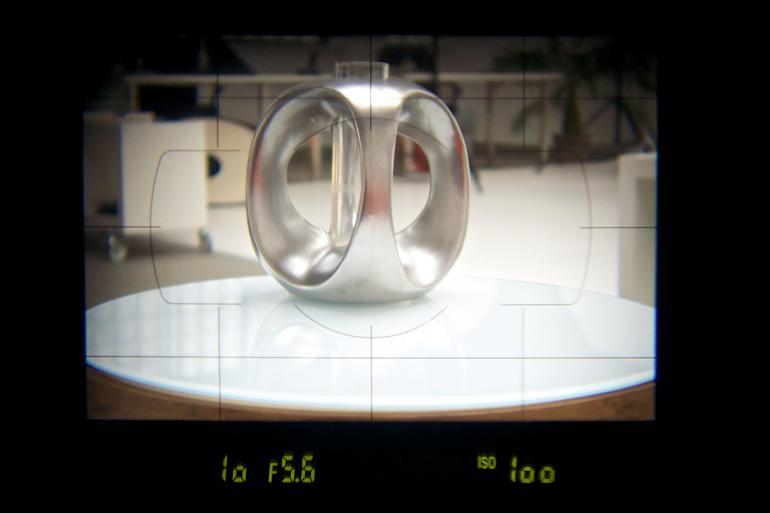 Optischer Sucher: Der klassische optische Sucher liefert ein sehr klares und natürliches Bild ohne Zusatzinfos, etwa zum Akkustand.