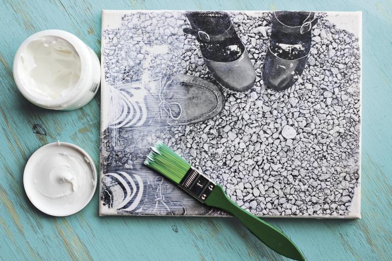 Do-it-Yourself: So basteln Sie eine individuelle Leinwand mit Fotos