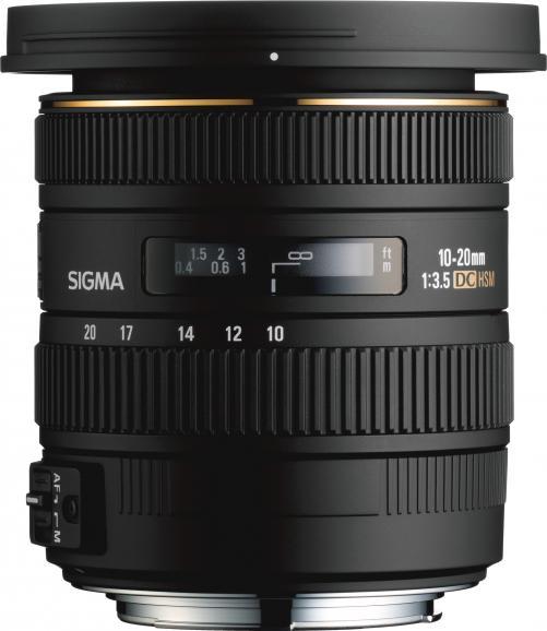Noch deutlich kompakter als das 105mm-Makro-Objektiv präsentiert sich die weitwinklige 10-20mm-Optik.