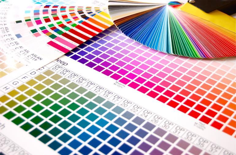 Die Farben des Farbspektrums sollten auf Monitoren möglichst akkurat wie- dergegeben werden. Andernfalls drohen spätestens beim Druck Probleme.