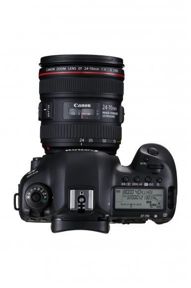 Videografen werden sich über die 4K-Aufnahmefunktion (DCI, 17:9, 4:2:2) – direkt auf die CF-Karte – freuen. Ein HDMI Clean-out ist nur bei Aufnahmen in Full HD möglich.