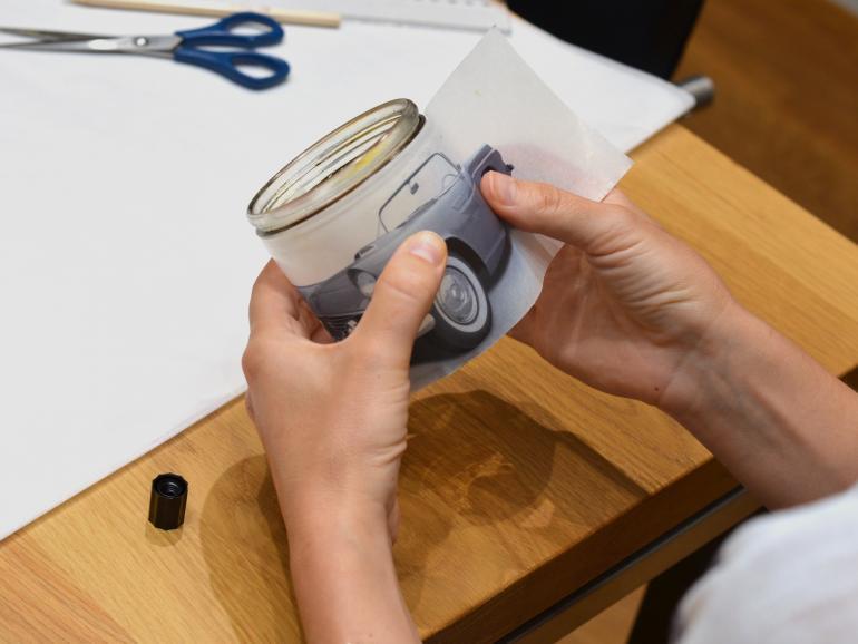 Workshop: Marmeladengläser mit Fotos verzieren