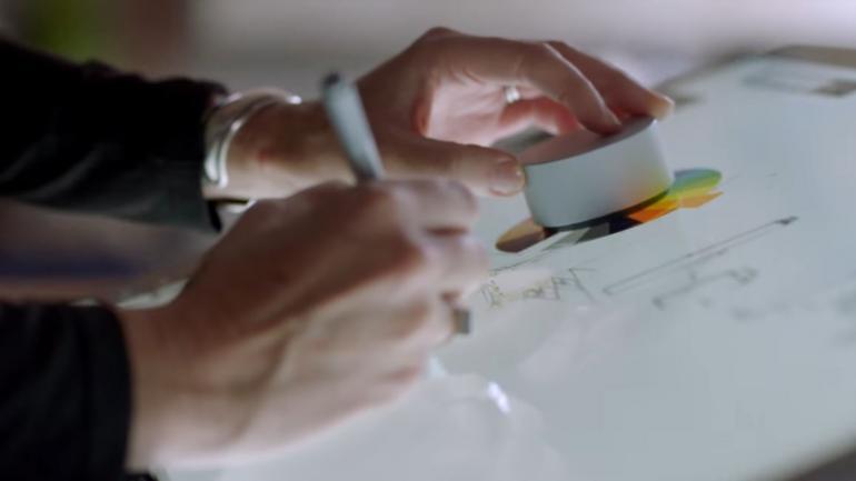 Microsoft Surface Studio im Einsatz mit dem Surface Dial