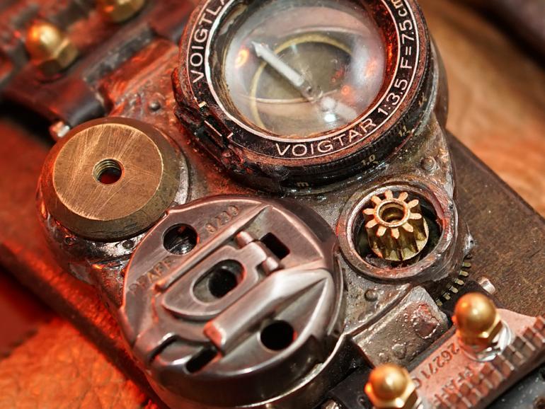 100 Prozent-Ansicht des Uhrwerks (Aufgenommen mit dem Sony FE 100mm F2.8 STF GM OSS (f5,6; 1/125 Sek; ISO 400))