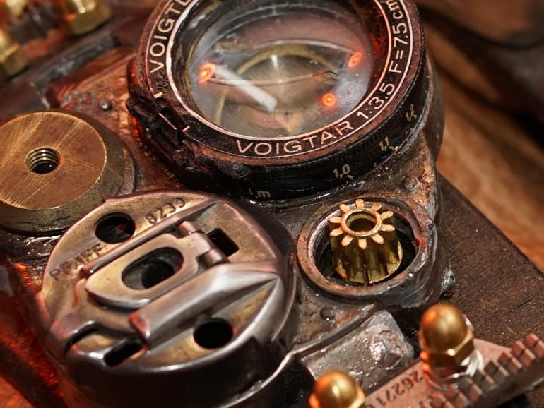 100 Prozent-Ansicht des Uhrwerks (Aufgenommen mit dem Sony FE 85mm F1.8 (f5.6; 1/125 Sek; ISO 160)