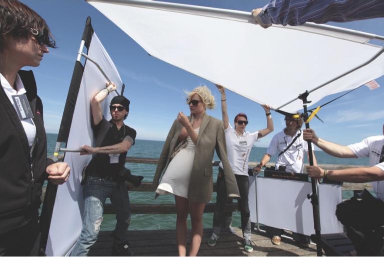 Sunbounce will Weltrekord im Speed-Portrait-Shooting