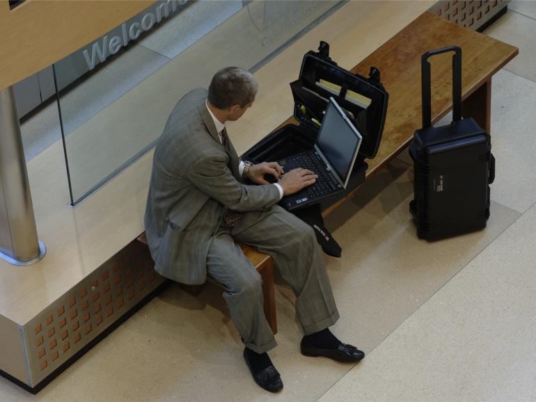 Kameraverbot: Peli reagiert auf Beschränkungen im Flugzeug