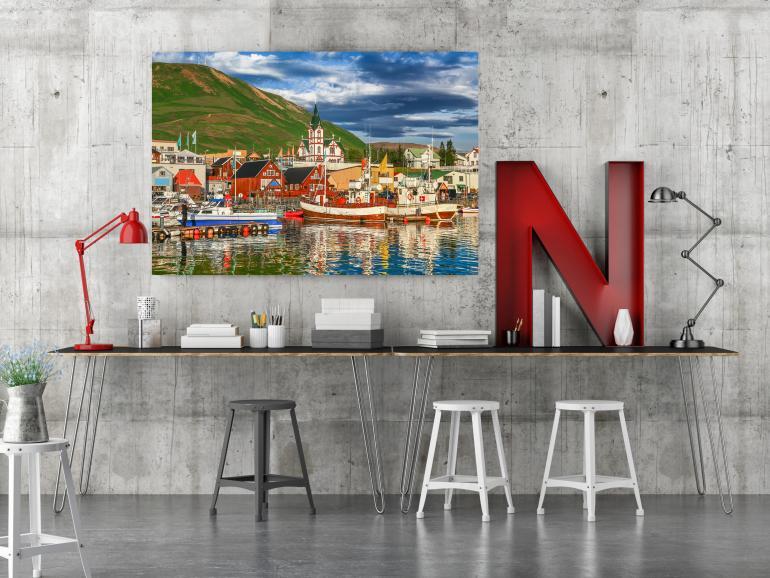 Ob im Büro oder daheim: Ein Foto auf Leinwand schmückt jeden Raum. Wir haben uns verschiedene Hersteller angesehen.