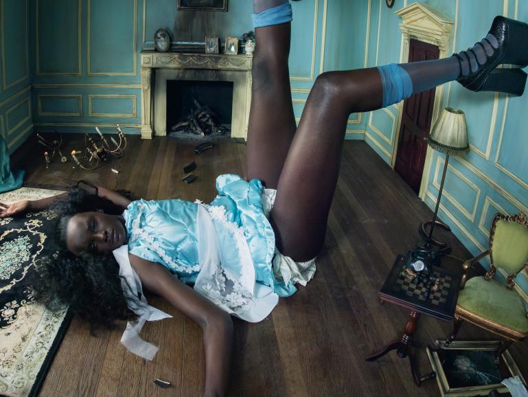 """Das südsudanisch-australische Model Duckie Thot als """"Alice"""""""