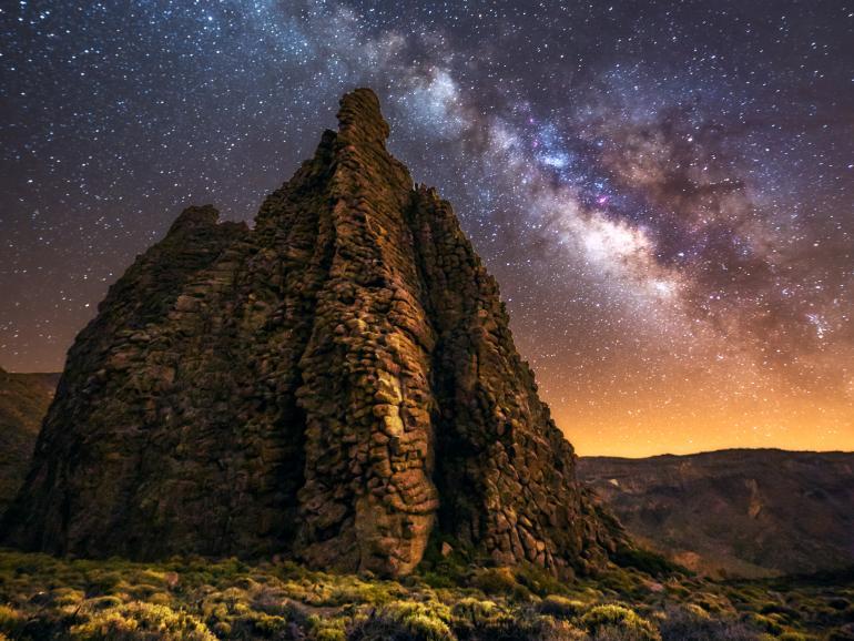 Astrofotos: Mit dem Weitwinkelobjektiv nach den Sternen greifen