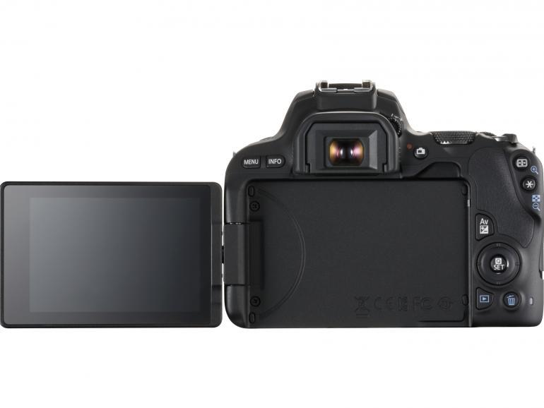 Bewegliches Touch-Display: Das dreh- und schwenkbare 3-Zoll-Display kann für die Aufnahme in eine geeignete Position gebracht werden. Zudem erlaubt das touchfähige Display, den Fokuspunkt und die Auslösung per Fingerdruck vorzunehmen.
