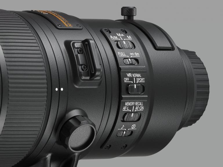 Nikons erstes Telezoom-Nikkor mit integriertem Telekonverter