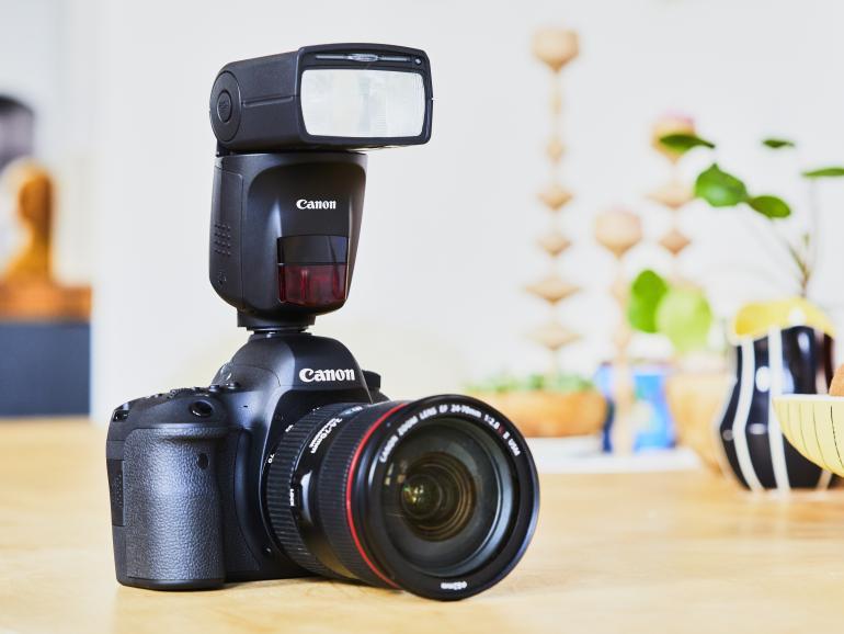 Weltneuheit von Canon: Intelligentes Blitzgerät Speedlite 470EX-AI