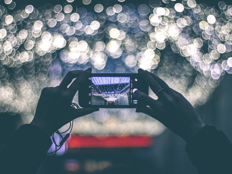 Ansprechende Fotos gelingen nicht nur mit der Kamera, sondern auch mit dem Smartphone.