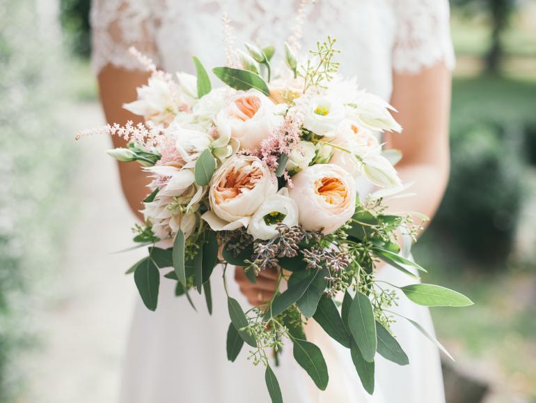 Bleibende Erinnerung: Mit einem Hochzeitsfotobuch wecken Sie auch Jahre später noch die Erinnerungen an diesen besonderen Tag.