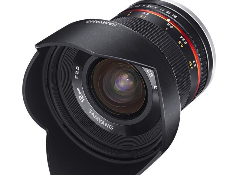 Für spiegellose Kameras: Das Samyang ist für Kameras mit EF-M-, Sony E-, Fujifilm X- und Micro-Four-Thirds-Bajonett verfügbar.