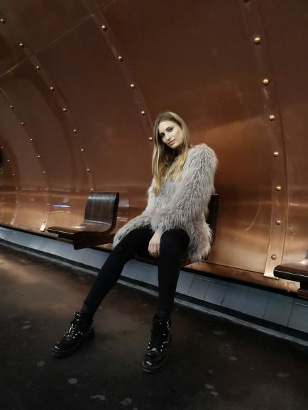Fashion-Fotografie in der Pariser U-Bahn: Im Workshop mit Robert Grischek zeigte das Huawei auch, ob es Porträtfotos kann.