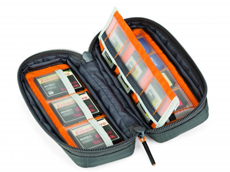 Im GearUp Wallet 20 können Speicherkarten aufbewahrt werden.