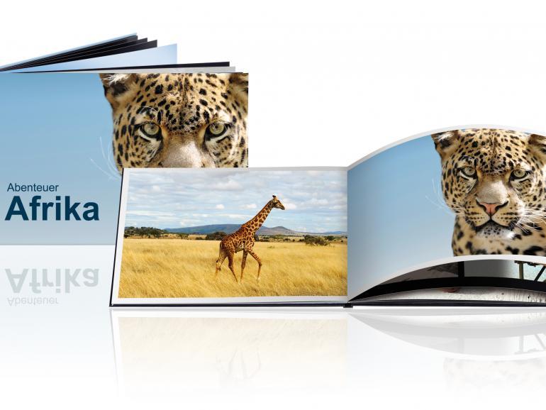 Bei den Fotobüchern brilliant kommt echtes Fotopapier zum Einsart. Außerdem gibt es keinen störenden Knick im Falz.