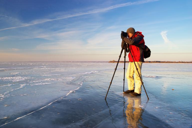 Er hat sie für sich gefunden: die ideale Kamera. So kann er sich voll und ganz auf das Wesentliche konzentrieren: das Motiv.