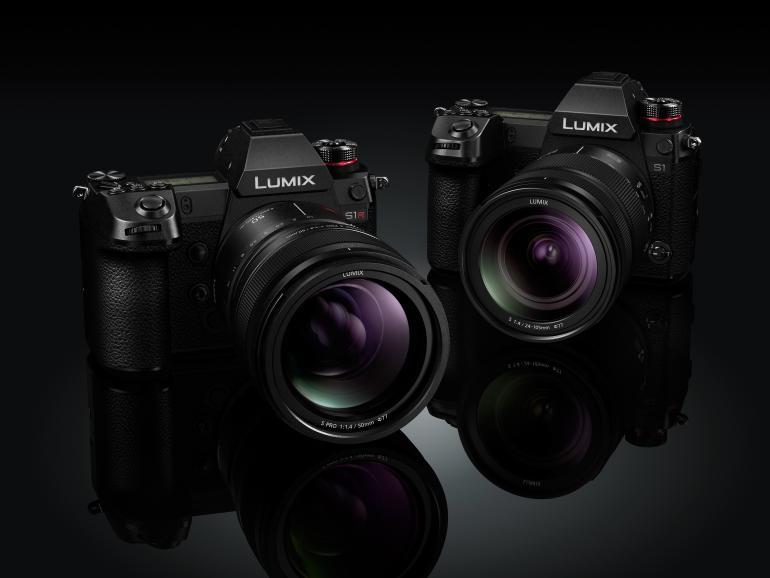 Das sind sie: Mit diesen beiden Lumix-Kameras steigt Panasonic ins spiegellose Vollformat-Segment ein.