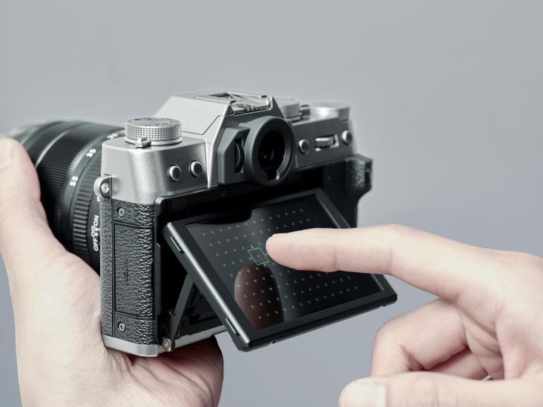 Fujifilm X-T30 mit beweglichem Touchdisplay