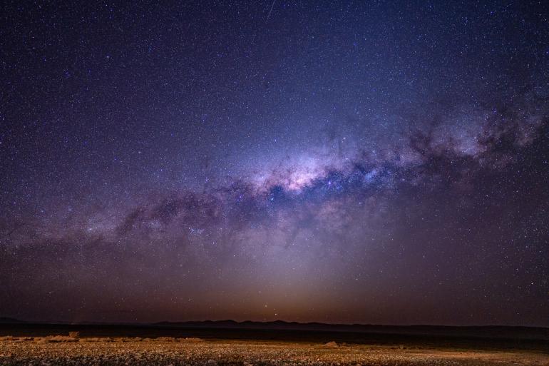 Perfekte Fotos von Sternenhimmel, Milchstraße, Sternschnuppen und dem Mond