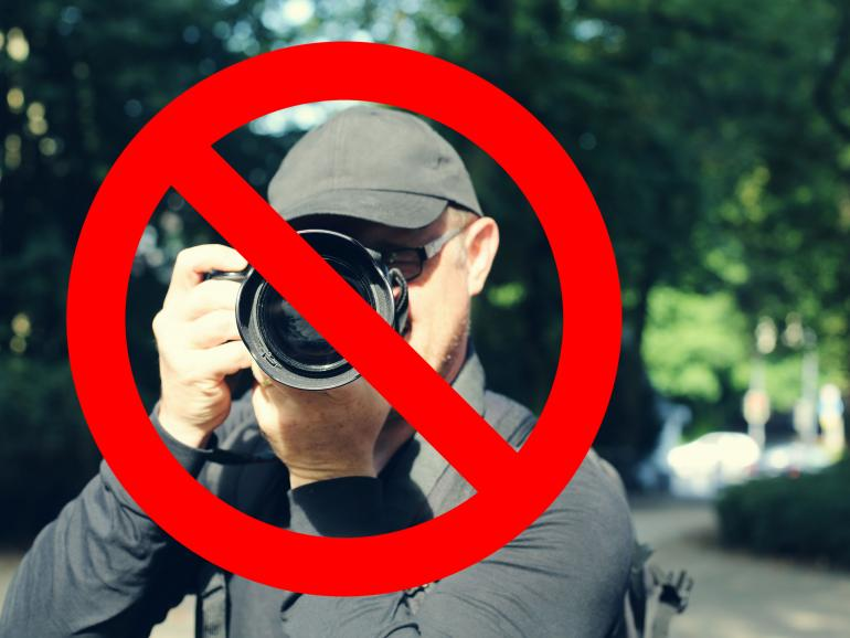 Bundesregierung führt den Bundes-Foto-Upload-Filter – kurz BUFF – ein. Dieser wird das Teilen und Präsentieren von Bildern im Internet drastisch einschränken.