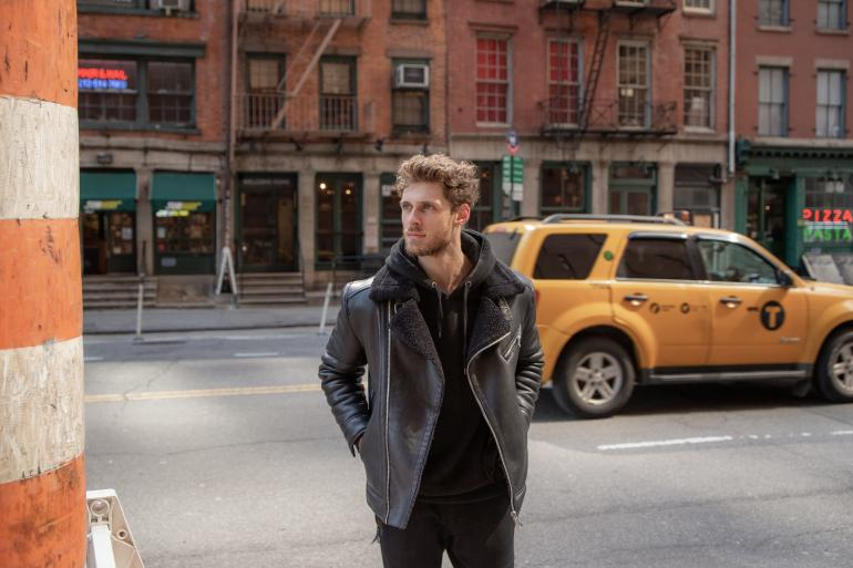 Kompaktes Zoomobjektiv: Mit 35-150mm durch New York