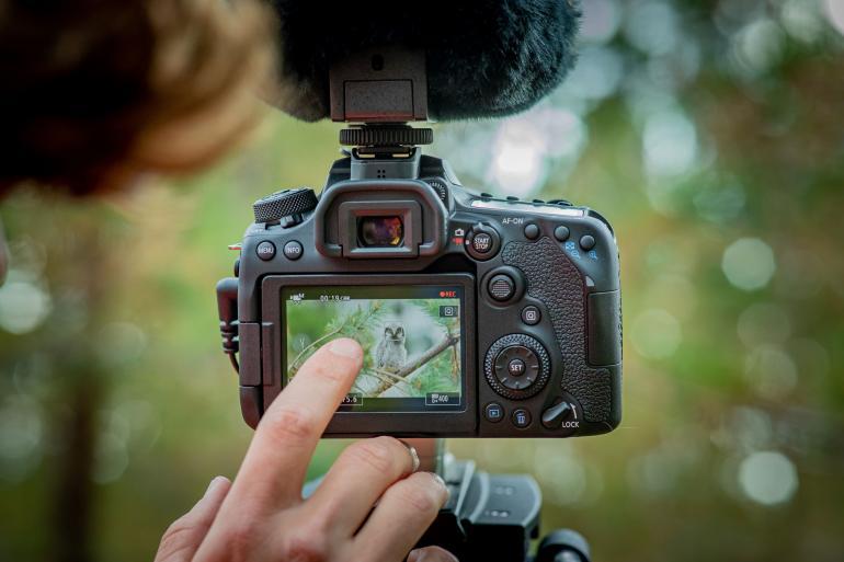 Canon EOS 90D im Test - Sollte man noch eine DSLR kaufen?