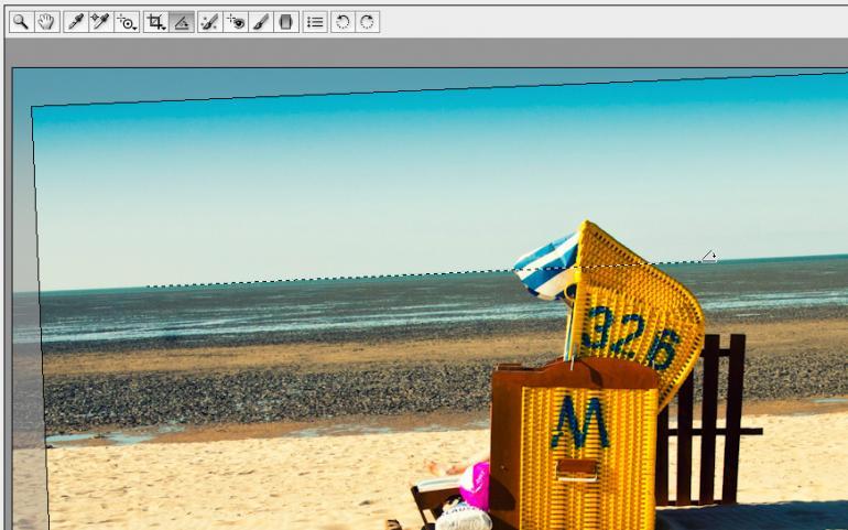Photoshop: Schiefen Horizont gerade richten