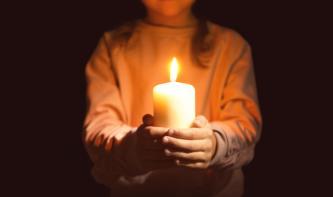 Foto-Basics: ein Bild bei Kerzenschein